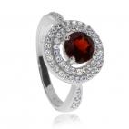 Stříbrný prsten se zirkony (cubic zirconia) a granátem (almandin)