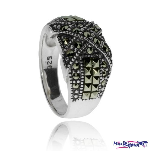 Stříbrný prsten s markazity - dvě zkřížené linie
