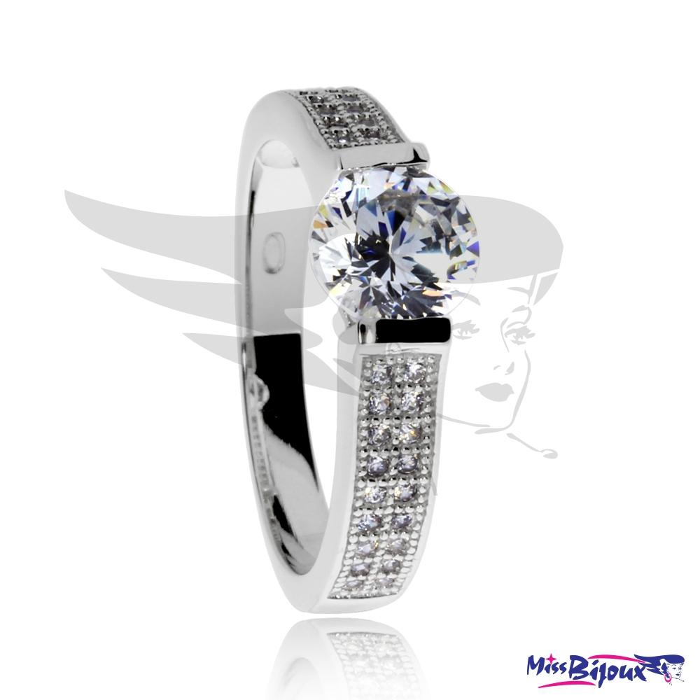 Zásnubní stříbrný prsten s kulatým zirkonem - MissBijoux.cz 987f2071489
