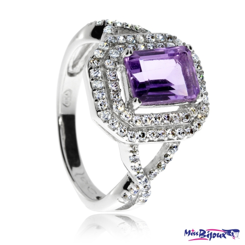 Stříbrný prsten se zirkony (kubická zirkonie) a fialovým obdélníkovým ametystem