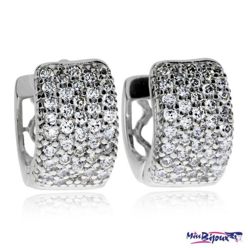Stříbrné náušnice se zirkony (cubic zirconia) půlkroužky posázené čirými kameny v povrchové úpravě rhodiované stříbro
