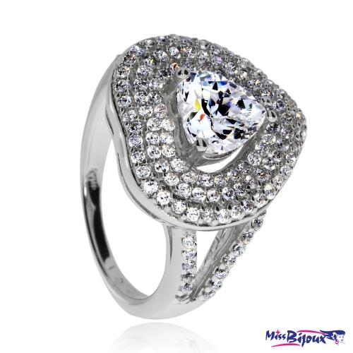 Stříbrný prsten se zirkony (kubická zirkonie) kámen ve tvaru srdce