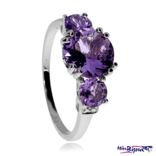 Stříbrný prsten se třemi ametysty