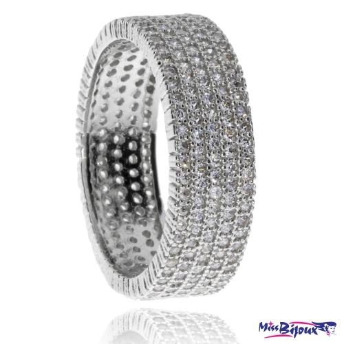 Stříbrný prsten se zirkony (kubická zirkonie) v pěti řadách po celém obvodu