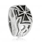 Stříbrný prsten s křížem