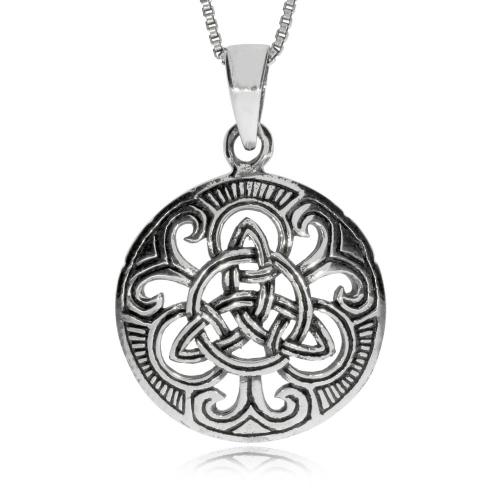 Stříbrný přívěsek - Kulatý medailon s triquetrou