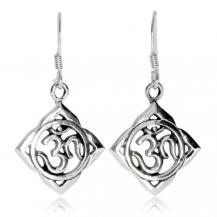 Stříbrné náušnice - Symbol mantry Óm v kosočtverci