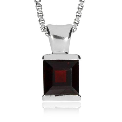 Stříbrný přívěsek - Větší čtvercový granát alamandin
