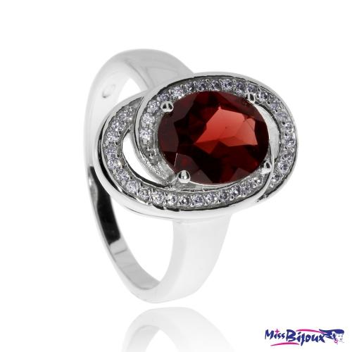 Stříbrný prsten s granátem (almandin) a zirkony (kubická zirkonie